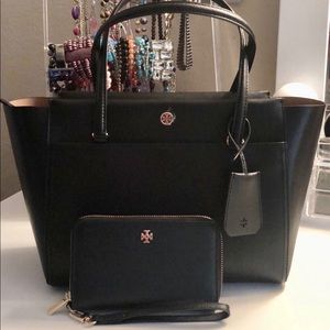 Authentic Tory Burch Set